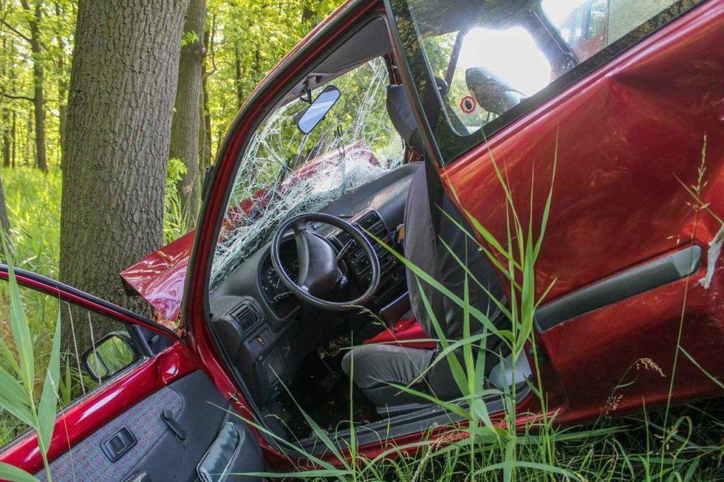 Abfalleigenschaft bei wirtschaftlichem Totalschaden eines Fahrzeugs