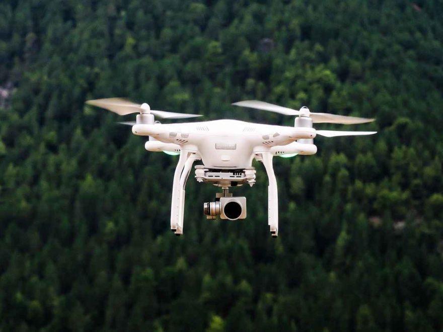 Versicherungspflicht für unbemannte Flugobjekte: Extra Haftpflichtversicherung für Drohnen?