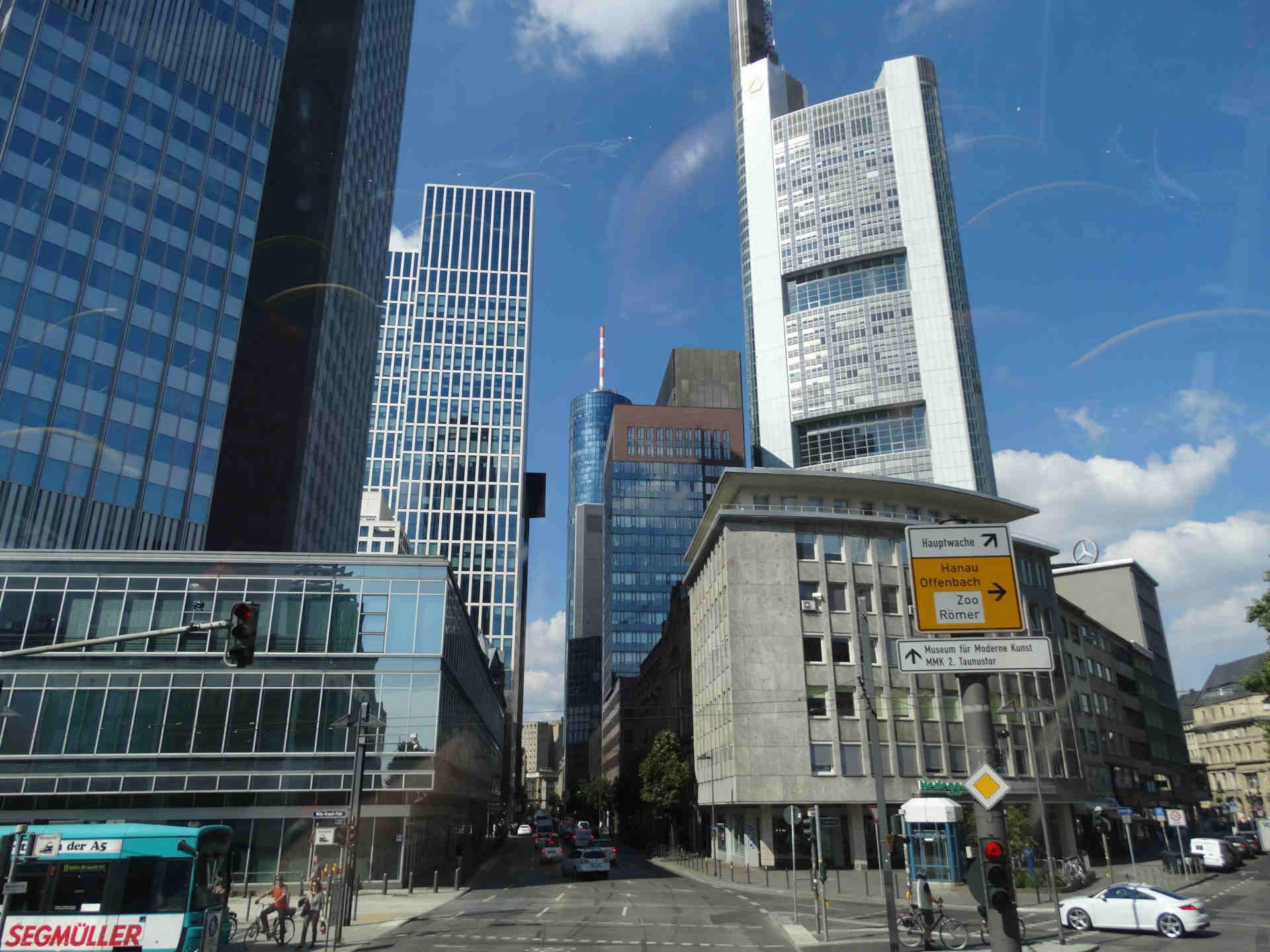 Markenfälschungen - und die Auskunftspflicht der Bank