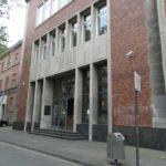 Klage gegen einen Folgebescheid - und die Aussetzung des Verfahrens