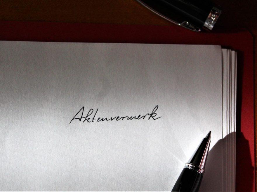 Die Unterschrift unter dem Anwaltsschriftsatz