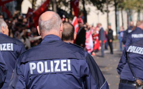 Der Polizeibeamte -  und seine ausufernde Nebentätigkeit