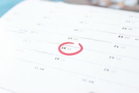 Arbeitsvertragliche Altersgrenze - und das Hinausschieben des Beendigungszeitpunkts