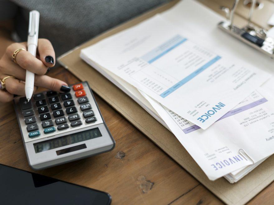 Die Rechnung mit Verweis auf eine Konditionsvereinbarung – und der in der Rechnung ausgewiesene negative Steuerbetrag