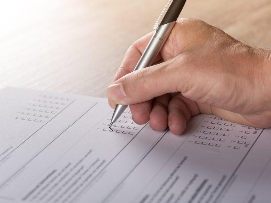 Die konzernweit elektronisch durchgeführte Mitarbeiterbefragung - und die Mitbestimmung des Konzernbetriebsrats