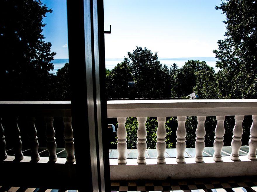 Die ohne Zustimmung vergrößerte Terrasse
