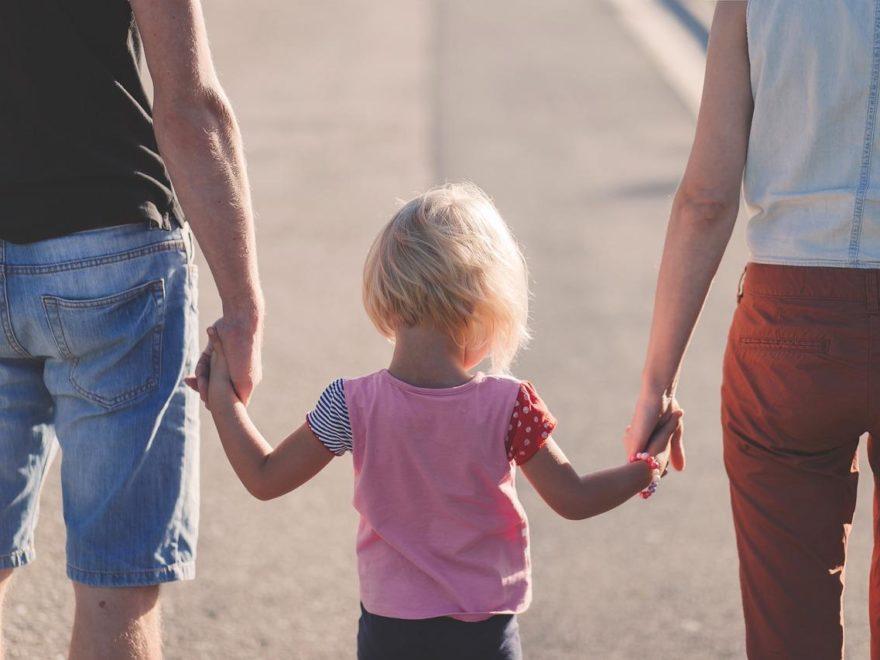 Der Nachname des gemeinsamen Kindes - bei getrennt lebenden Eltern