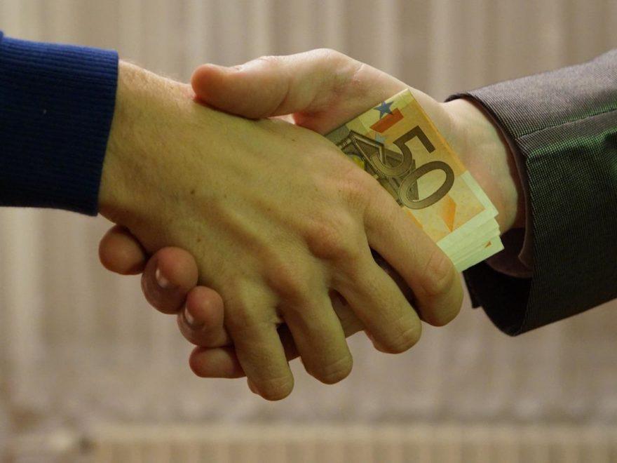 Schmiergeldzahlungen, Kick-back-Zahlungen - und die Untreue des Finanzvorstandes