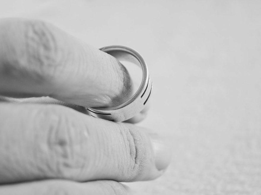 Aufhebung der ehelichen Lebensgemeinschaft – und das abgeleitete unionsrechtliche Aufenthaltsrecht