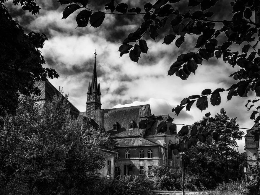 Bewilligung von Sonntagsarbeit - und die Verfahrensbeteiligung der Kirchen