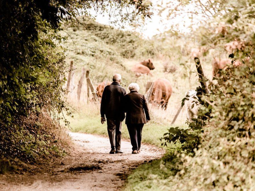 Betriebsrente – und die Spätehenklausel mit fester Altersgrenze
