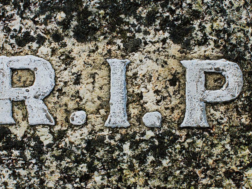 Urnengrabstätte - und die nur zweijährige Dauer der Totenruhe