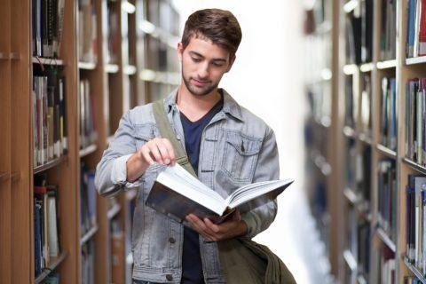 Student,Bibliothek