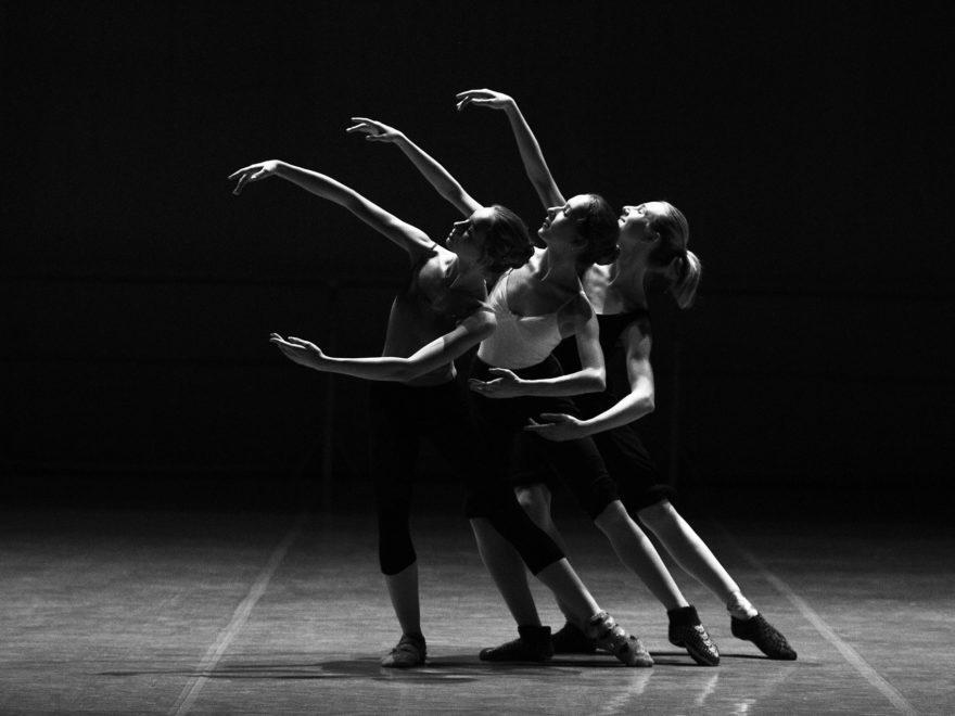 Nichtverlängerungsmitteilung – und die Altersdiskriminierung des Bühnenmitarbeiters
