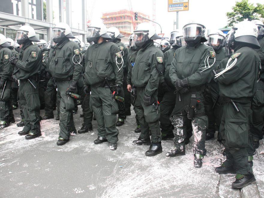 Die Videoaufnahme einer Polizeikontrolle