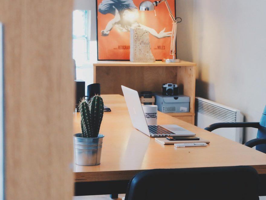 Vorsteuerabzug für ein Arbeitszimmer - und die unternehmensbezogene Zuordnungsentscheidung