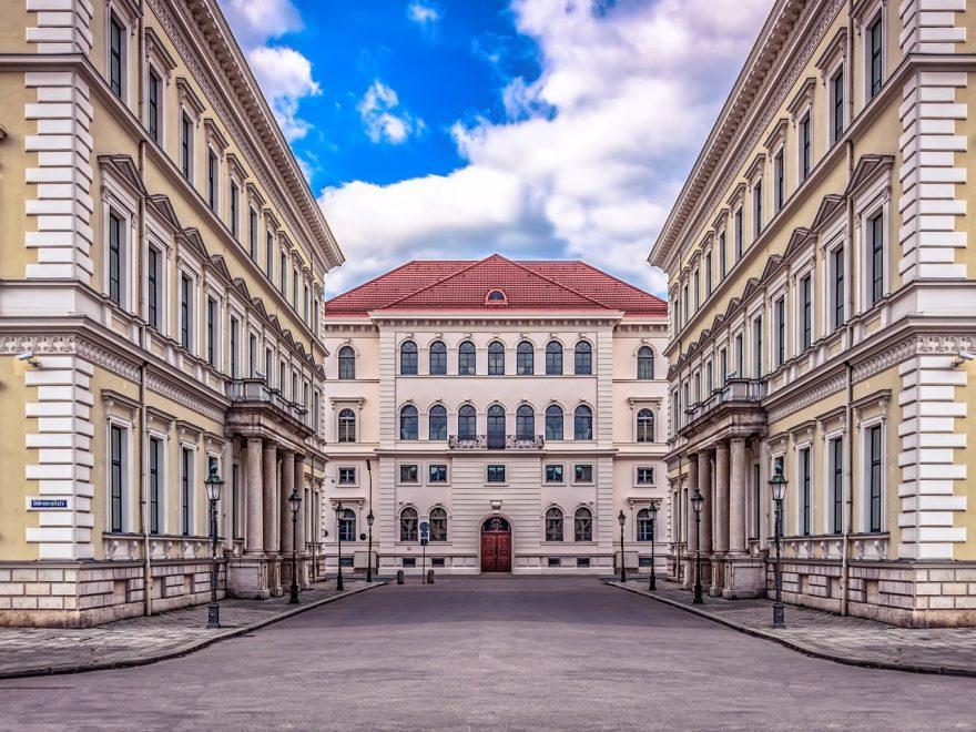 Die Bayerische Verordnung über die Ausgangsbeschränkungen – und die Einschränkung der Grundfreiheiten