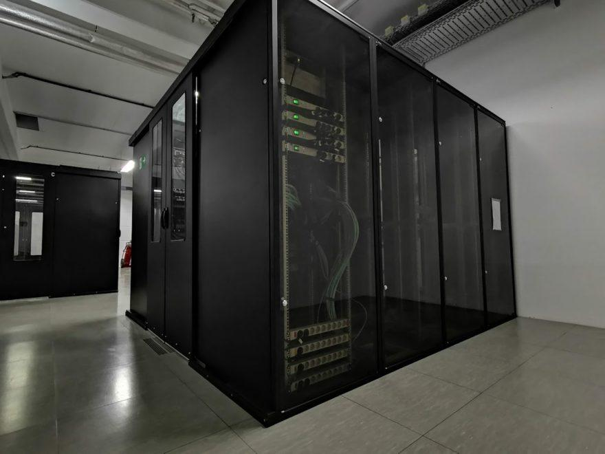 Server, Provider