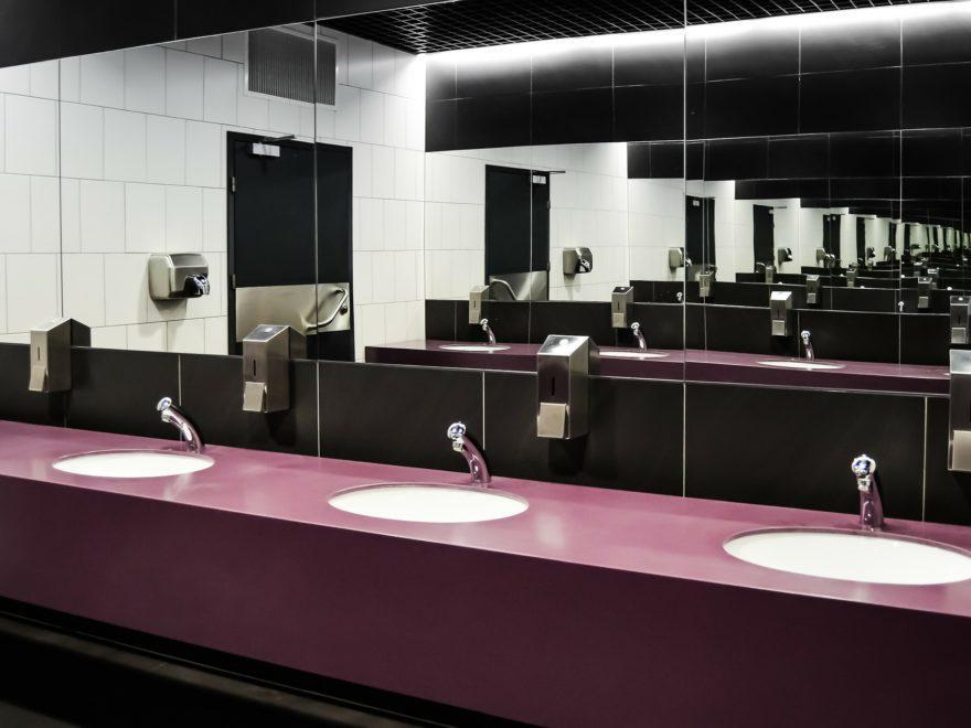 Der Sturz in der Toilettenanlage – als Arbeitsunfall