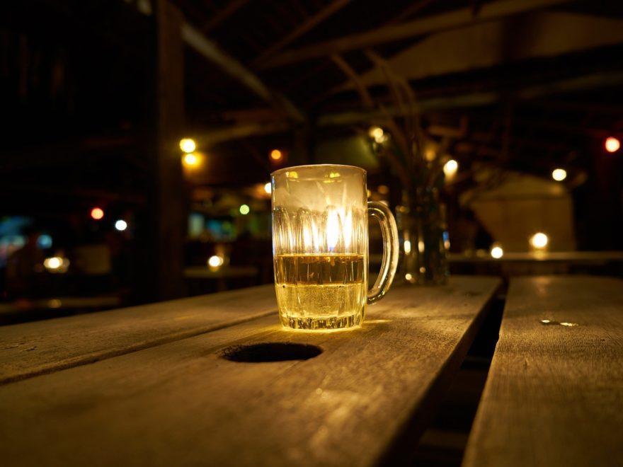 Die nächtliche Partymeile und der Alkohol