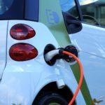 Wer Elektrofahrzeuge ohne Batterien durchsetzen will...