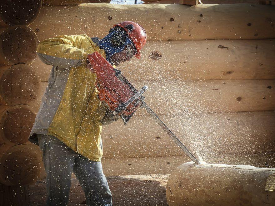 Arbeitskleidung & Schutzausrüstung am Arbeitsplatz – Informatives zu Recht und Kostenübernahme